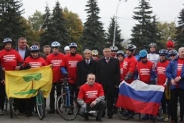 В Липецке стартовал международный паралимпийский велопробег «Мир без барьеров и границ!»