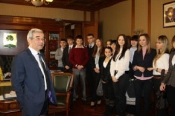 Школьники пришли к мэру Липецка