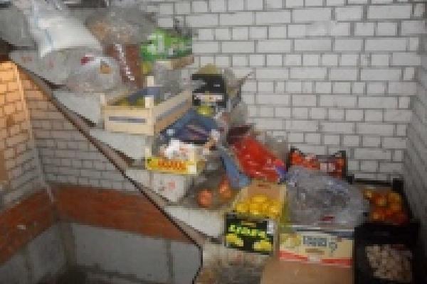 В магазине хранили испорченные продукты
