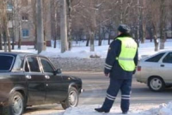 В Липецке инспекторы ГИБДД проверяют автобусы