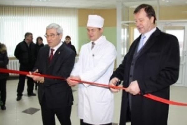 Глава Липецка принял у строителей новую детскую поликлинику в 26 микрорайоне