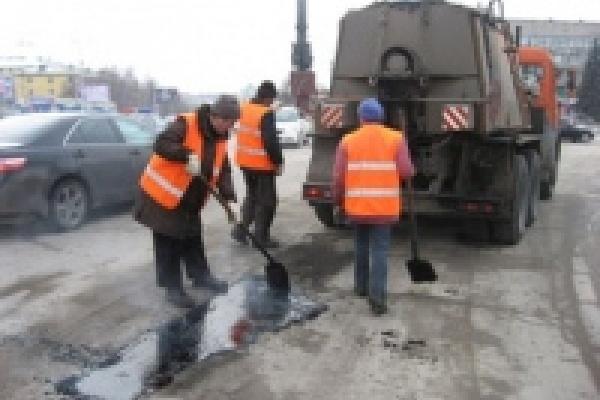 Аварийный ремонт дорог Липецка идет по намеченному плану