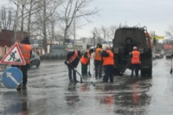 Дорожники выполнили ремонт на площади более 16 тыс. кв. метров