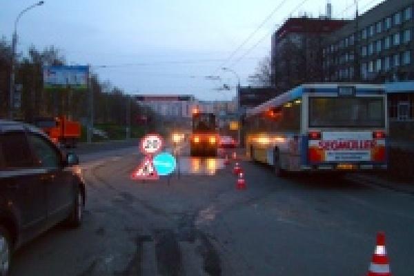 В Липецке продолжается ремонт аварийных участков магистралей