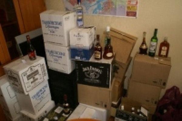 В руки полиции попали 405 литров контрафактного спиртного