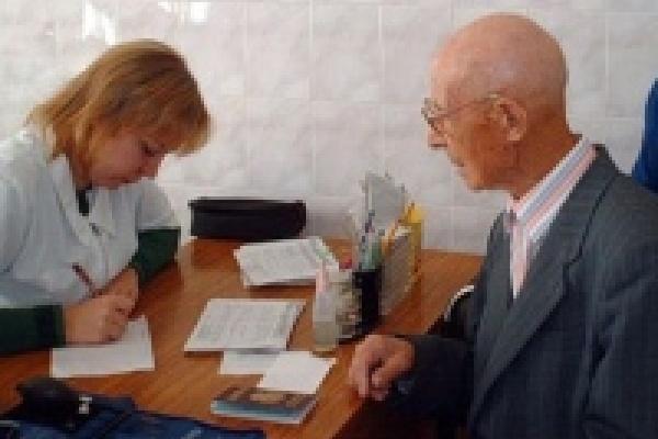 В поликлиниках Липецка создано 13 выездных бригад, обслуживающих ветеранов Великой Отечественной войны на дому