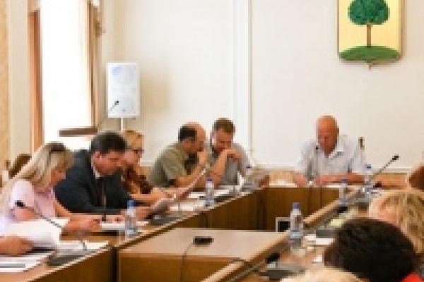 Проект отчета Главы Липецка о работе мэрии в 2011 году не вызвал нареканий депутатов