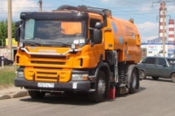 В Липецке испытали вакуумную подметально-уборочную машину на базе «Scania»