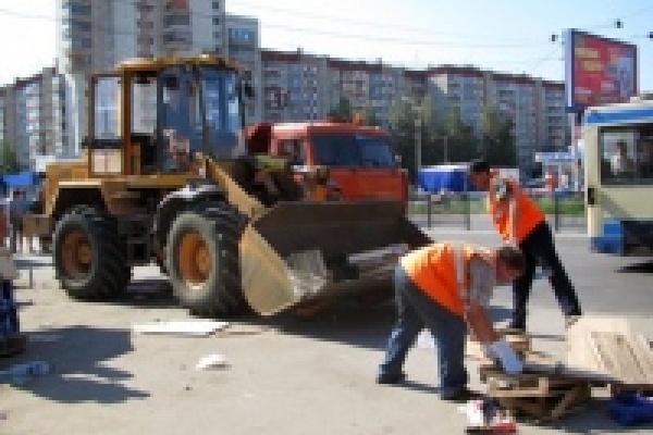 В ходе рейдов по борьбе со стихийной торговлей вывезено 25 грузовиков мусора и оборудования