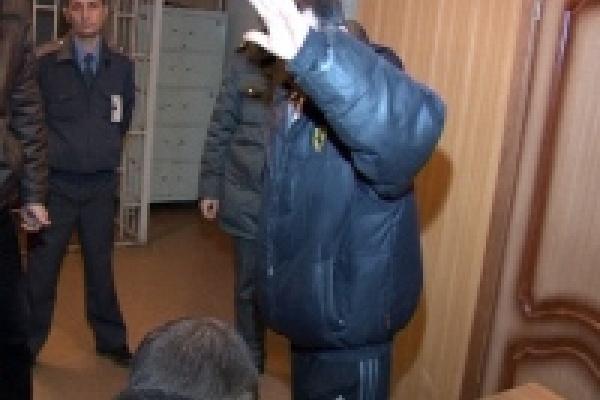 Задержаны двое вооруженных хулиганов