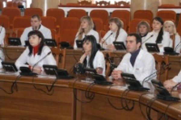 Губернатор встретился с молодыми липецкими врачами