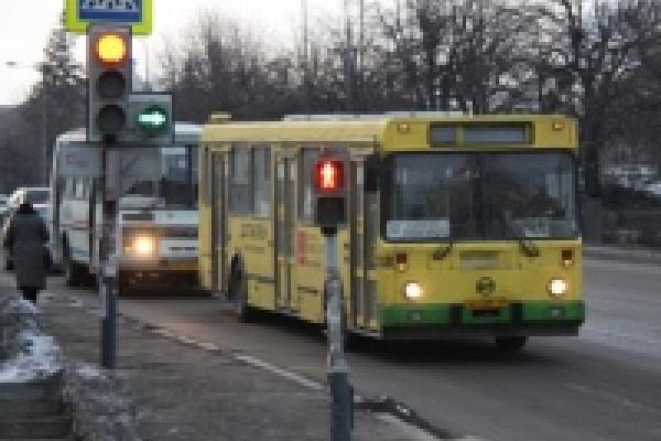 В новогодние праздники сократится число автобусов на маршрутах