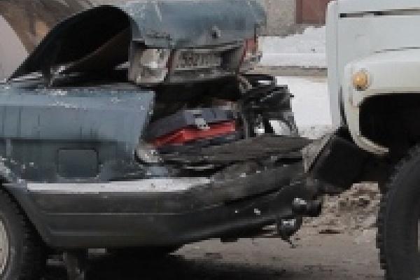 Липецкие суды завалены исками автовладельцев к страховым компаниям