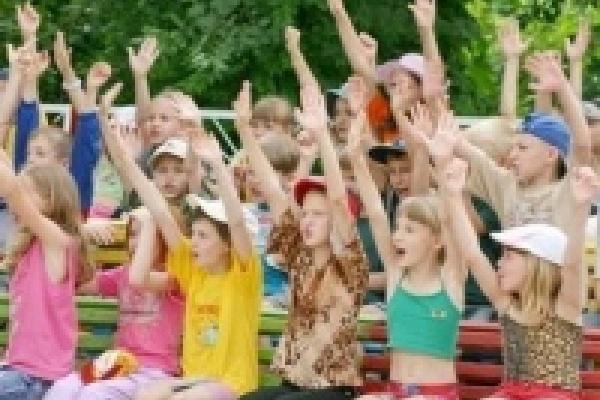 Часть липецких школьников сможет получить бесплатные путевки в загородные лагеря