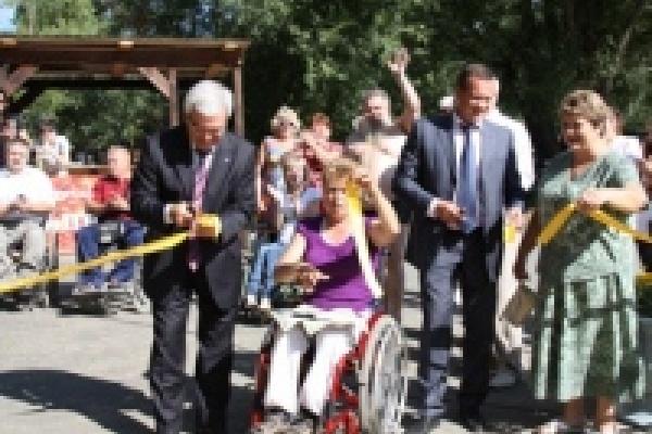 В Липецке открылся пляж для людей с ограниченными возможностями здоровья