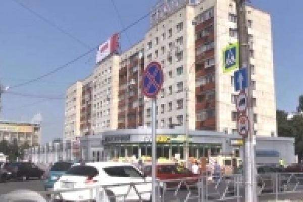Пешеходный переход от улицы Неделина к магазину «Меркурий» в Липецке перенесут