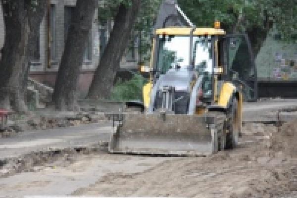 В Липецке продолжают ремонтировать дворы