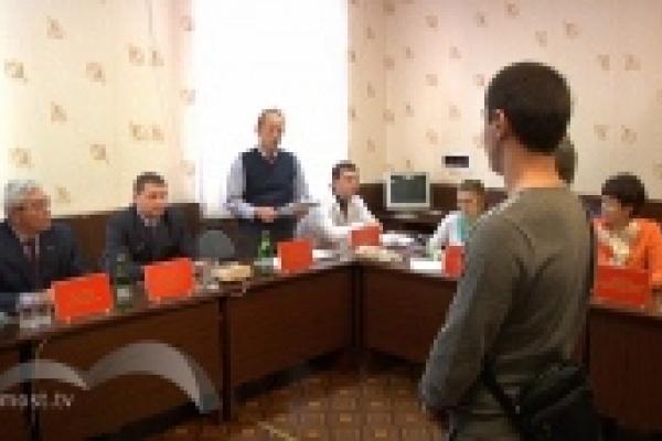 «Годен - негоден»: окончательное решение о состоянии здоровья 50 призывников Липецка сегодня вынес председатель комиссии Михаил Гулевский