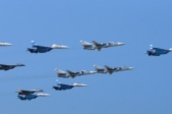 В Липецком авиацентре впервые дозаправили в воздухе новейшие истребители