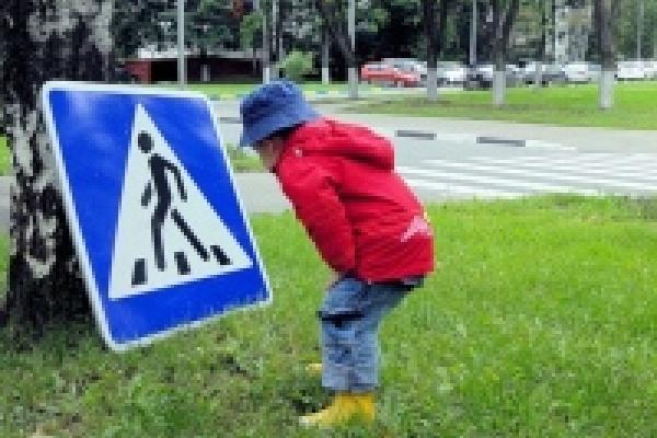 ГИБДД для повышения безопасности детей на дорогах Липецка решило ограничиться беседами и конкурсами