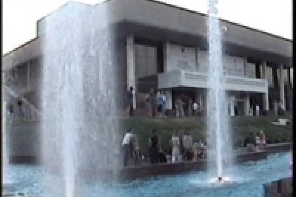 Возле Театра драмы откроют еще четыре фонтана