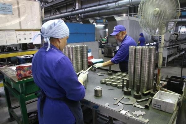Больше сотни липецких предприятий получили разрешение на деятельность в нерабочие дни
