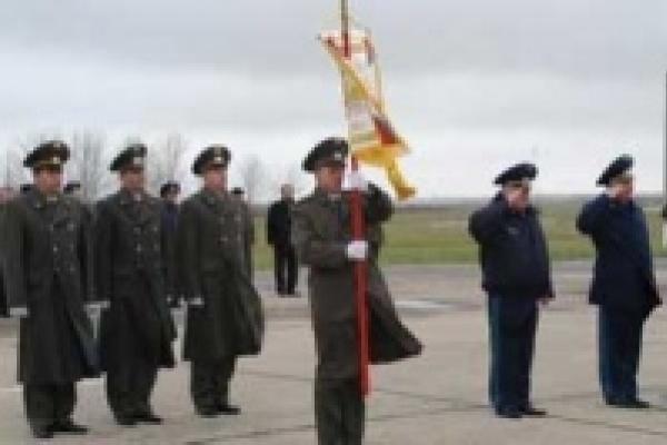 Главком ВВС наградил военных летчиков Липецка