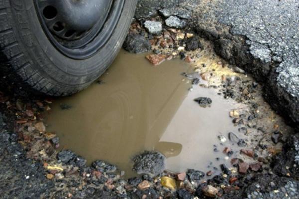 Липецкие сторонники Алексея Навального «заставят» чиновников отремонтировать дороги