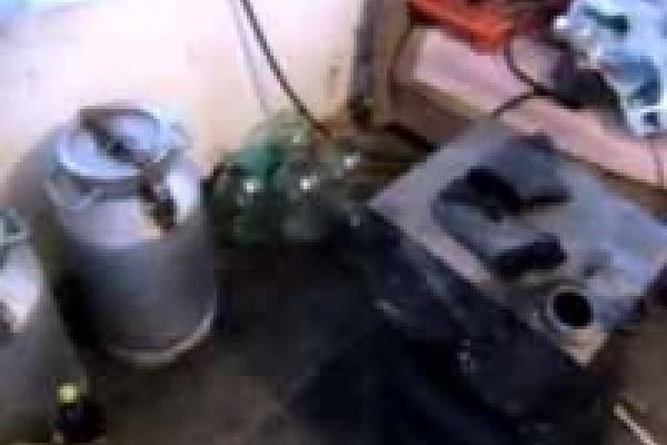 В Лебедяни милиция вылила в канализацию почти 2 тонны браги