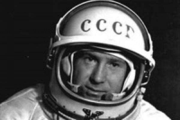 В Липецк приехал легендарный космонавт