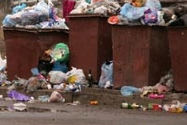 «Никольский» зарос мусором