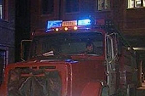 Возле горевших квартир задержали подозрительную парочку