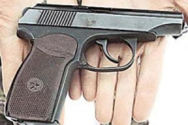 Липчанин нашел пистолет на дороге