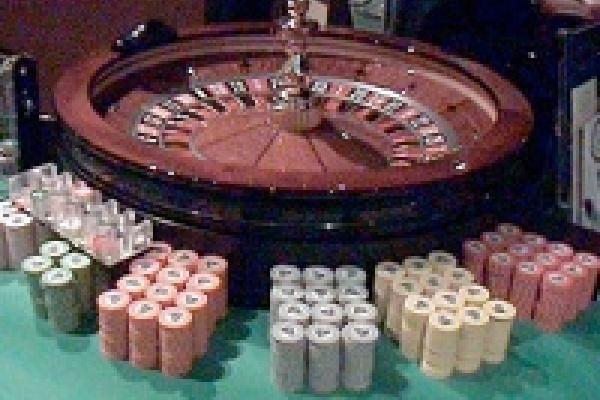 Игровые клубы превращаются... превращаются... в элегантные казино