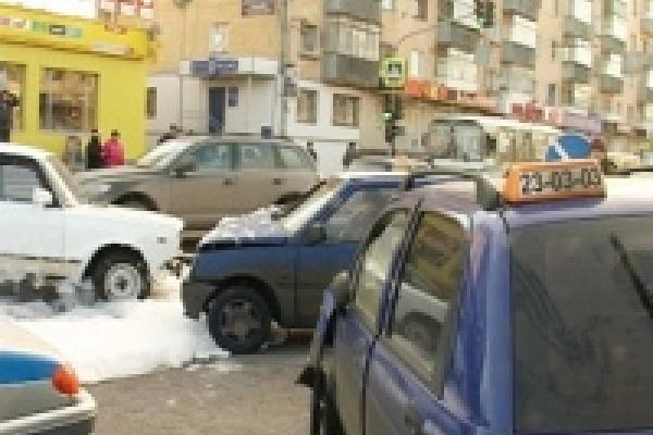 Водительских прав лишили того, кто ездил и без них