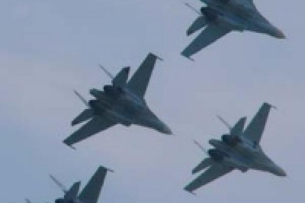 В Липецк со всей страны съехались военные летчики