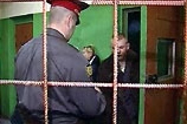 Кулаком в лицо милиции