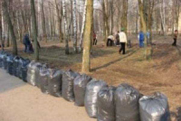 Чиновники уберут мусор за липчанами