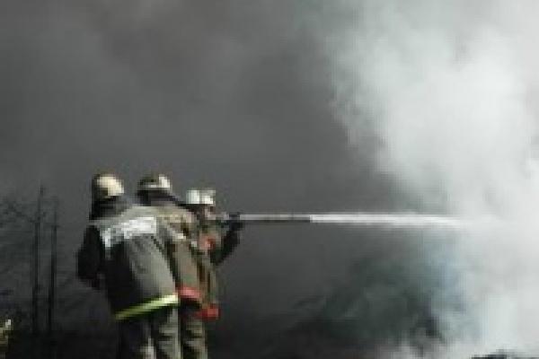 В центре Липецка сгорел склад