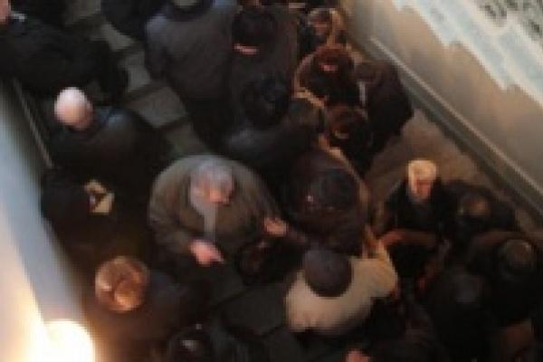 В Усманской регистрационной службе не любят людей