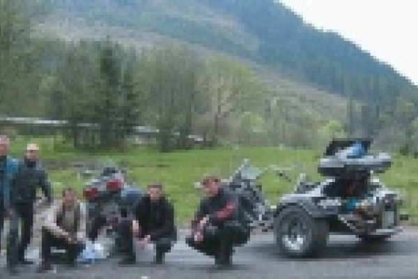 Отменив мотофестиваль власти Липецкой области получили тысячи «бездомных» байкеров возле Ельца и Задонска
