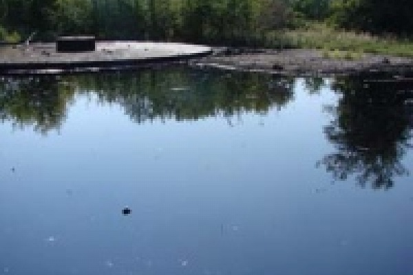 Экологи Липецка откачали 9 тонн нефтепродуктов