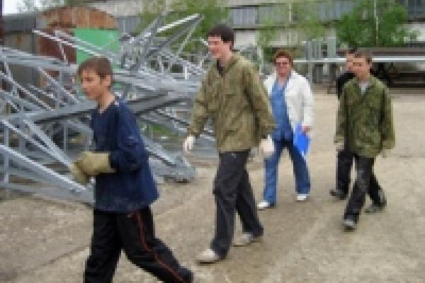Незаконная эксплуатация тинейджеров