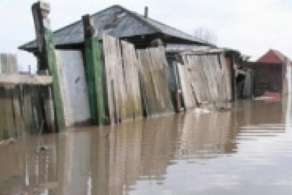 Уровень воды снизился на метр
