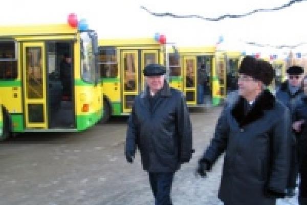 По  дорогам Липецка поедут автобусы с двигателями «Caterpillar»