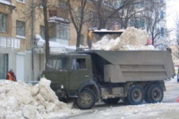 На свалках Липецка - почти 17 тысяч кубов снега