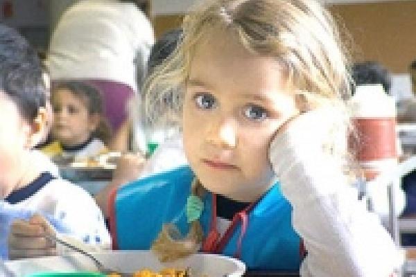 Сироты в интернате давятся несвежей едой