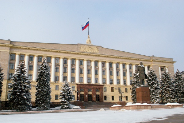 На место объявившего об отставке главы Липецкой области Олега Королёва могут назначить столичного политика