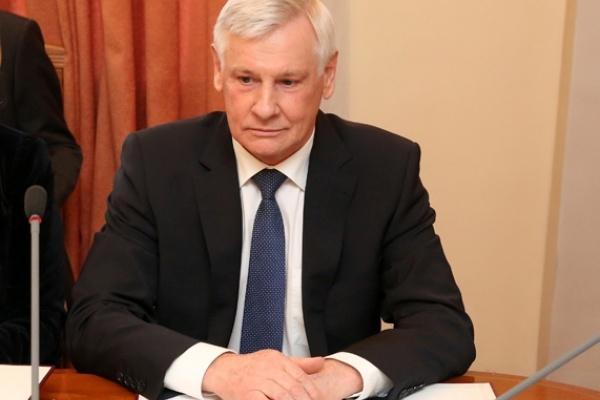 Председателя избирательной комиссии Липецкой области Юрия Алтухова уличили в научном плагиате