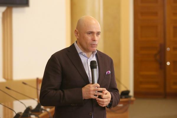 Общероссийский медиарейтинг врио главы Липецкой области Игоря Артамонова обвалился на восемь пунктов